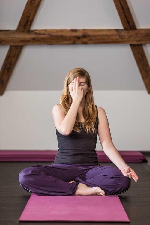 Janine Beyer - Yoga Von Herzen